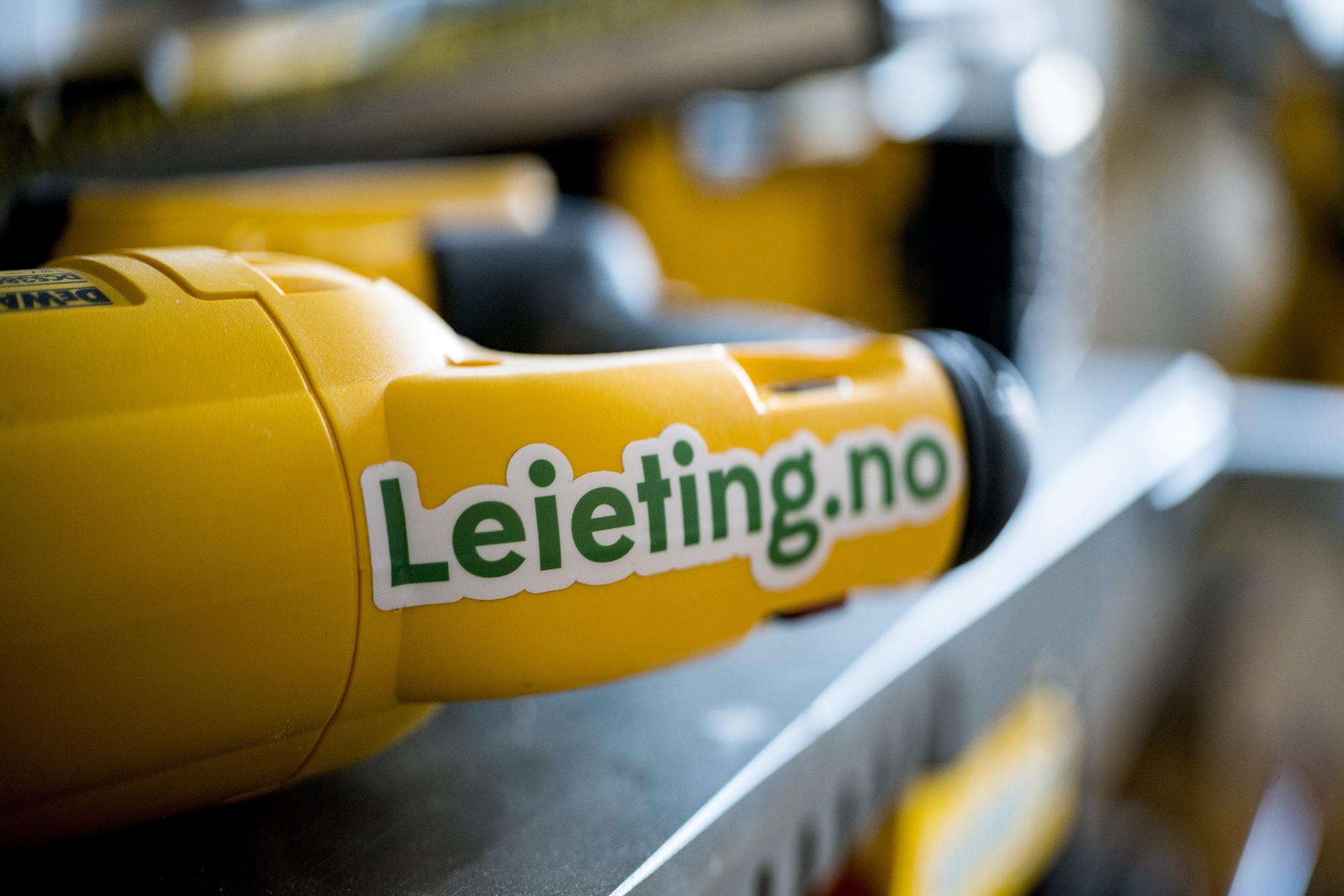 Verktøyet er dekorert med egne klistremerker fra Leieting.no